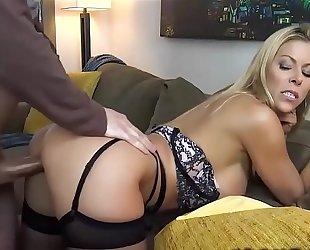 Hot milf pornstar copulates stud - dirtyyycams.com
