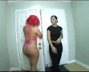 Pinkys tons of butt cheeks pinky vs chayanne