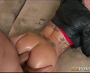 Bubble ass tattooed wench christy mack analyzed with large knob