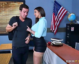 Brazzers.com - hot milf brooklyn follow teaches her student
