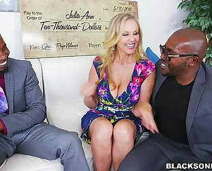 Black 10-Pounder paramour julia ann