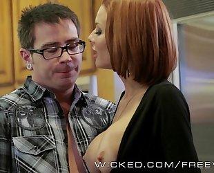 Veronica avluv receives screwed by her stepson