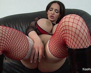 Pornstar amy anderssen copulates herself