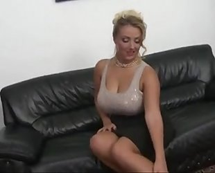 Czech milf with large naturals meatballs bonks