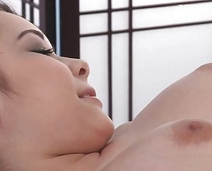 Young non-professional cum on wet crack