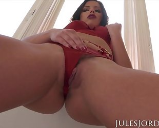 Insatiable porn babe teases the camera before getting fucked
