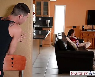 Sexy mommy sara jay acquires screwed and facialized