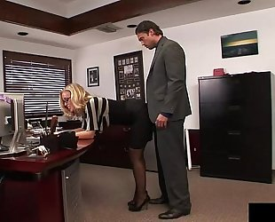 Nicole loves to receive screwed by her boss each afternoon in advance of meetings