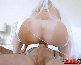 Stepmom to be brandi love three-some session with nubiles